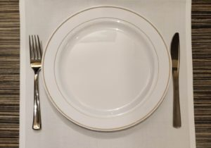 (bord, vork, mes )